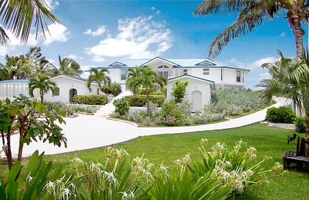 Topsider Homes luxury prefab house built on Cat Cay Island, BAHAMAS
